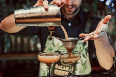mức lương hấp dẫn của bartender
